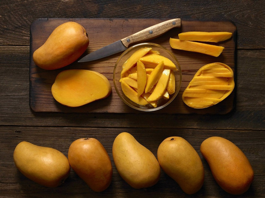 local-fruit-mango-uses-of-mango-in-mauritius (1)