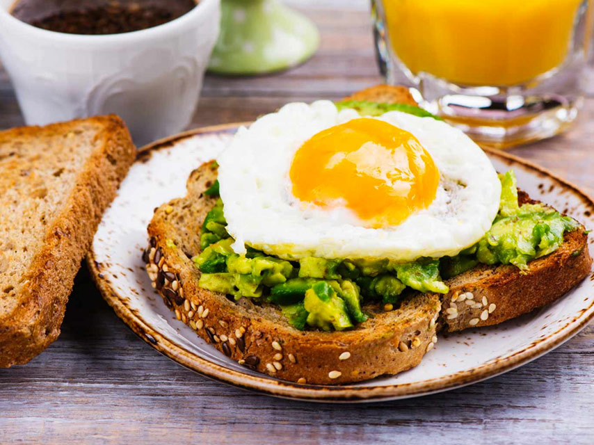 Avocado-Toast-with-Egg