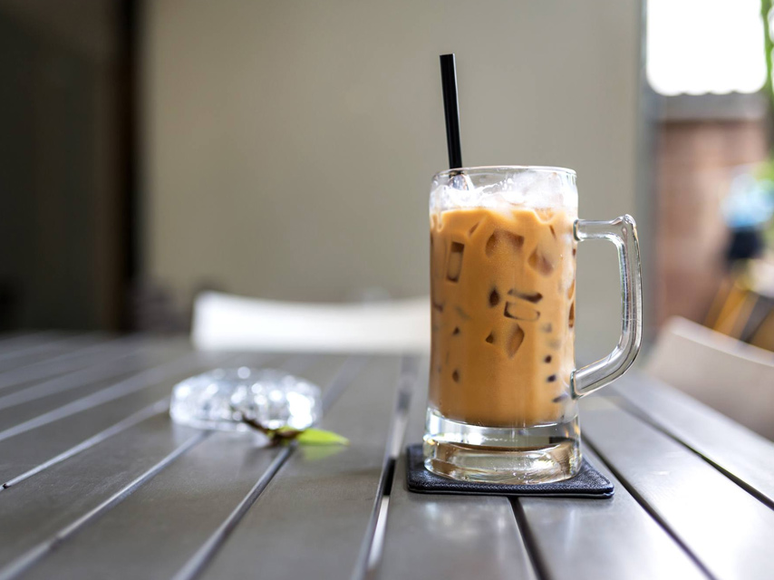 10-ways-to-enjoy-iced-coffee-during-summertime (1)