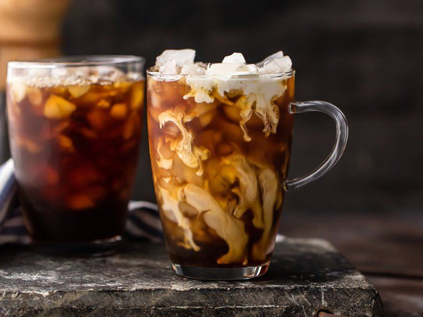 10-ways-to-enjoy-iced-coffee-during-summertime (6)