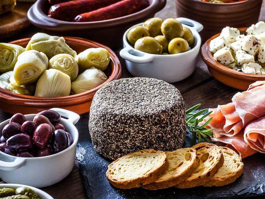 À Table Avec...Quand Culture Et Gastronomie Se Réunissent