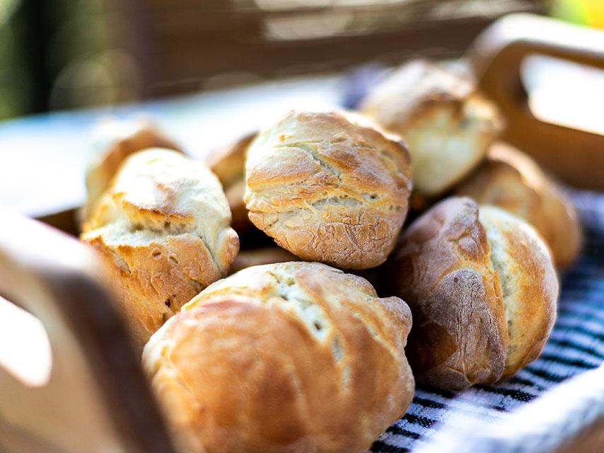 pains-et-moulins-le-plaisir-de-la-tradition-chemin-20-pieds-grand-baie (1)