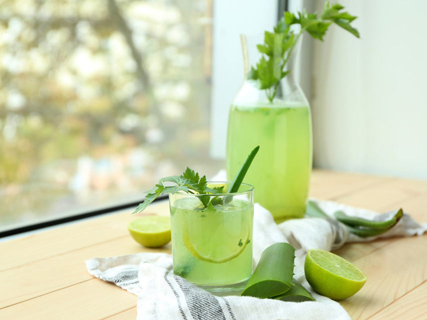 aloe-vera-juice-glass-and-jug